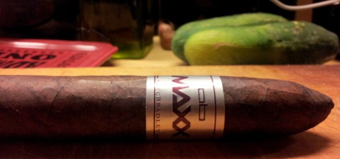 "Cigar Review: Alec Bradley Maxx ""The Curve"""