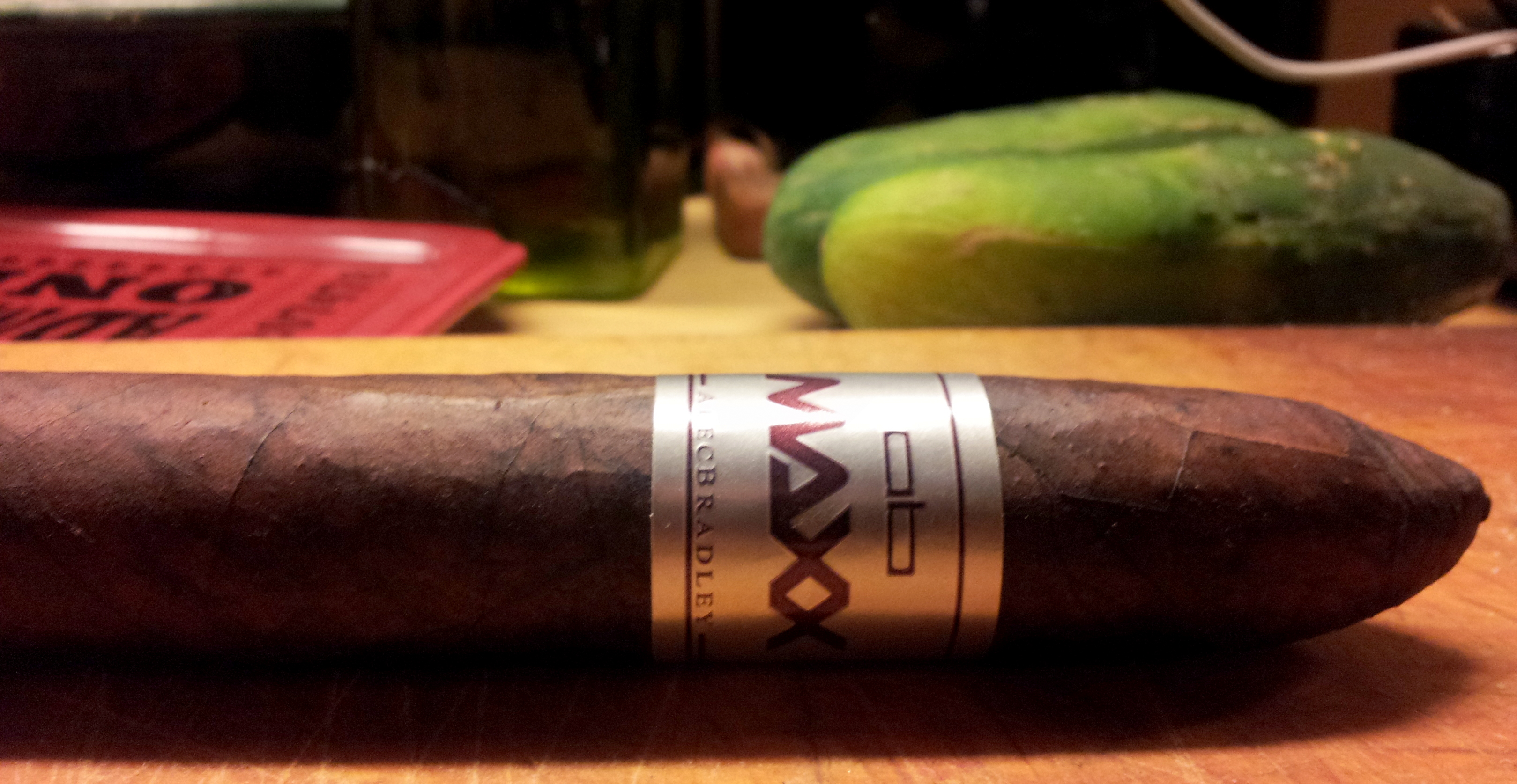 "Cigar Review: Alec Bradley Maxx ""The Curve"""