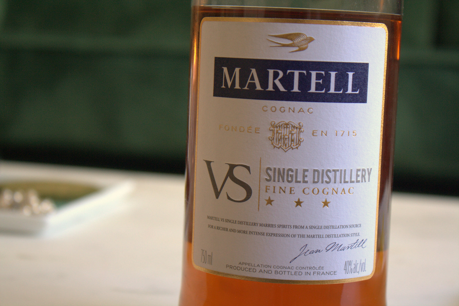 martell singles Martell vs single distillery is blended from eaux-de-vie derived from a single distillation source - one of martell's carefully selected partner distilleries in the cognac region sharing the same sensorial profile and taste characteristics, these eaux-de-vie blend together in perfect harmony.