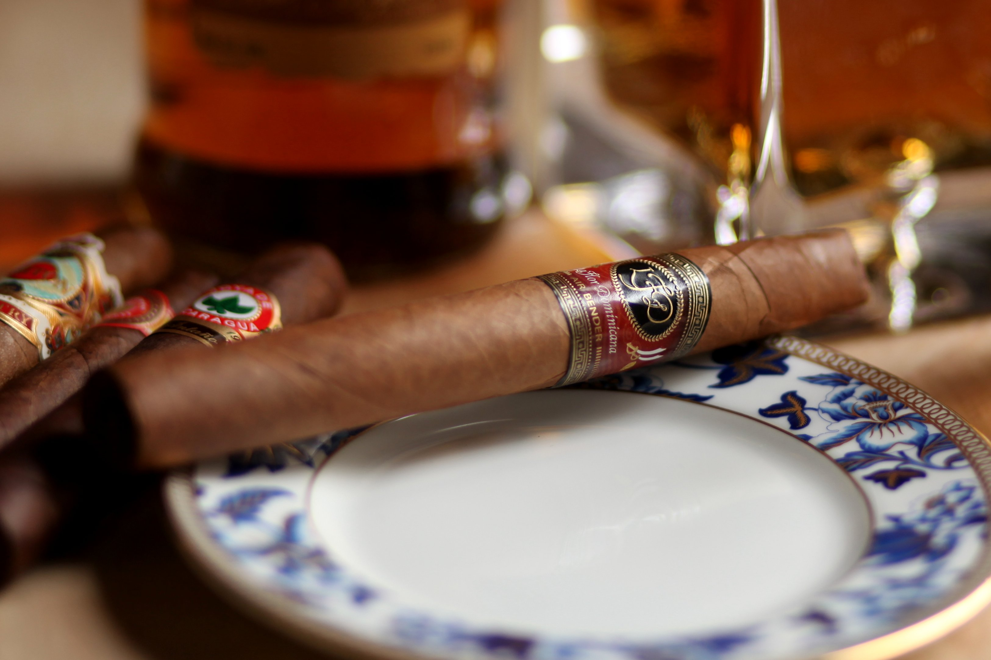 La Flor Dominicana Air Bender Chisel Review