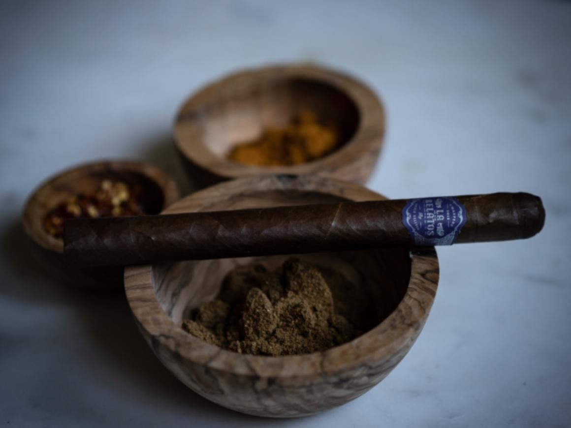 La Relatos Cigar Review