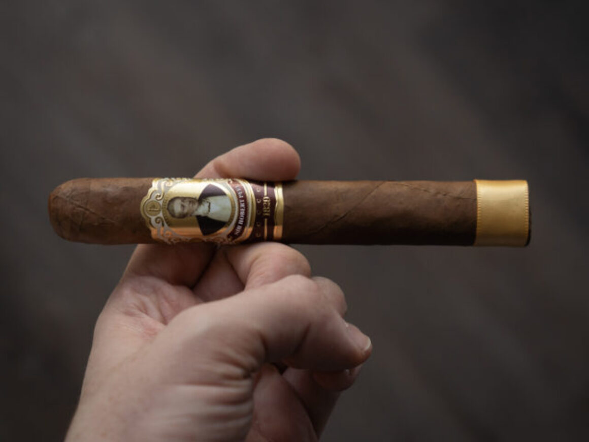 Robert Peel Natural Cigar Review